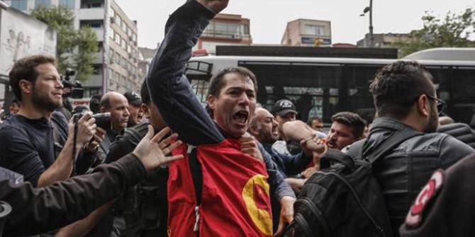 Taksim diye inat eden gruba polis müdahale etti
