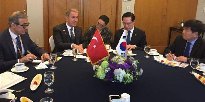 Orgeneral Akar, Güney Kore Savunma Bakanı ile görüştü