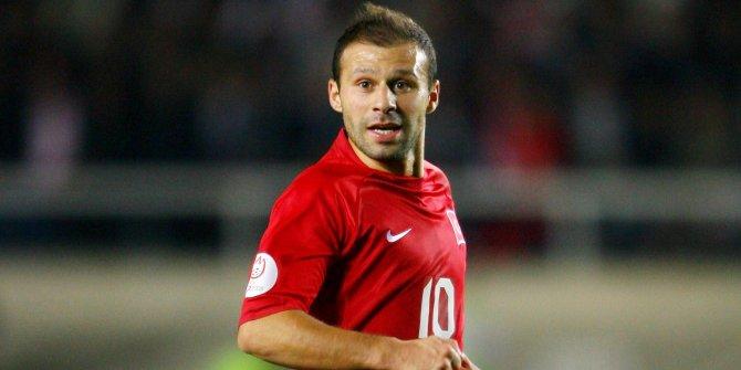 Gökdeniz Karadeniz futbolculuk kariyerini sonlandırıyor