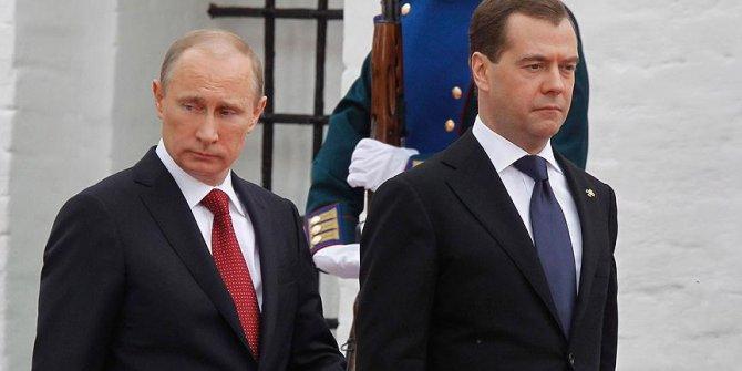 Putin'den dolar uyarısı! Büyük tehlikeye dikkat çekti