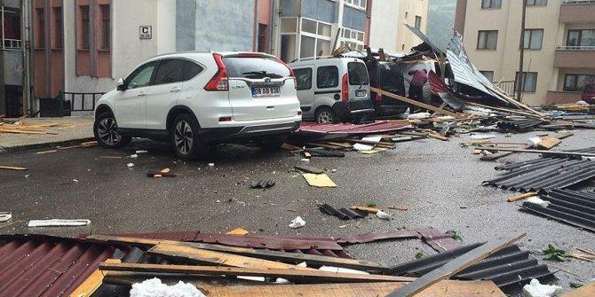 Artvin'de kuvvetli rüzgar hasara yol açtı