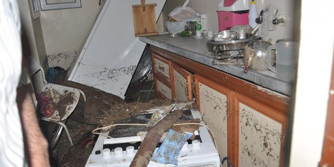Şanlıurfa'da şiddetli yağış su baskınlarına neden oldu
