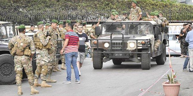 Beyrut sokakları seçim sonrası karıştı!