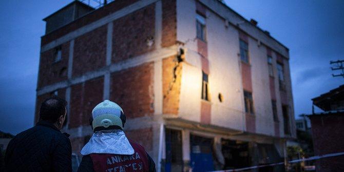 Ankara'da üç katlı binada çökme tehlikesi