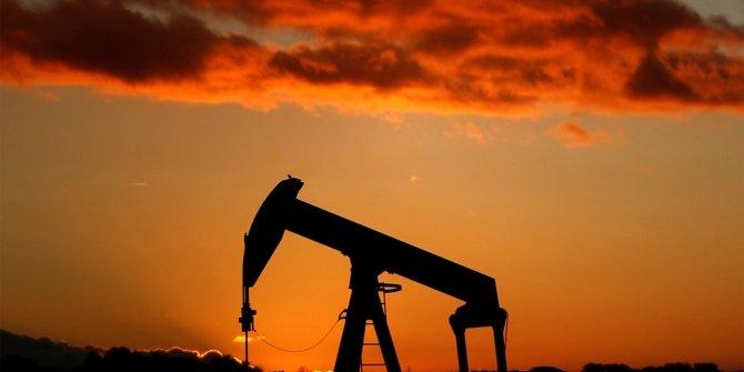 Brent petrolün varili 75,90 dolar