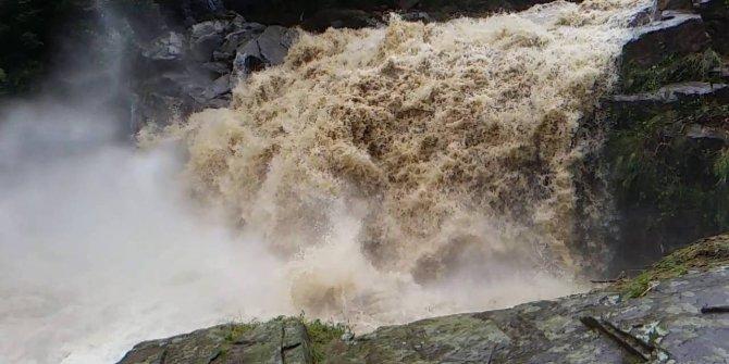 Kuçatı'da sel felaketi! 2 çocuk sulara kapıldı