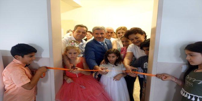 Manchester City'li yıldız İlkay Gündoğan, İzmir'de kütüphane yaptırdı