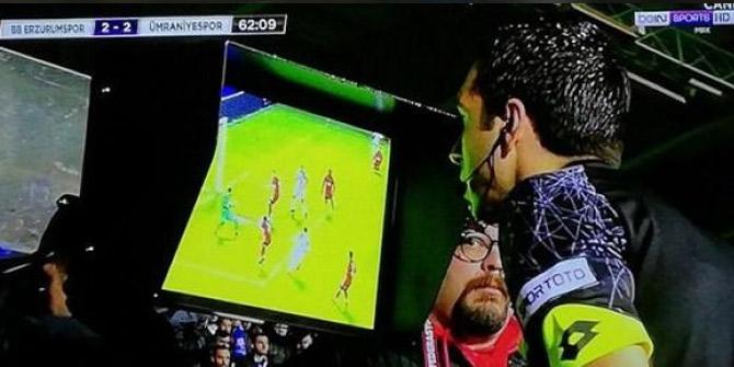 Türkiye futbol tarihinde bir ilk yaşandı!VAR ile penaltı verildi