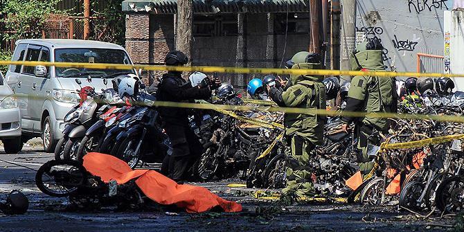 Endonezya'daki bombalı saldırıda 9 kişi öldü
