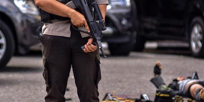 Endonezya'da polis merkezine saldırı!