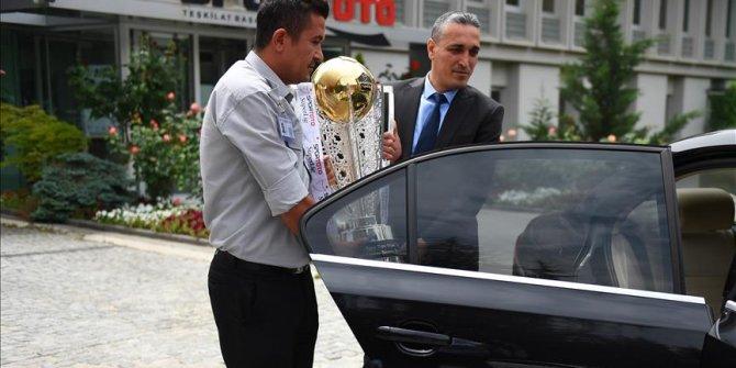 Şampiyonluk kupası İstanbul yolcusu