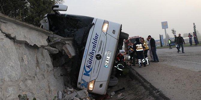 Kütahya'da yolcu otobüsü devrildi