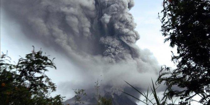 Endonezya'da Merapi Yanardağı alarmı!