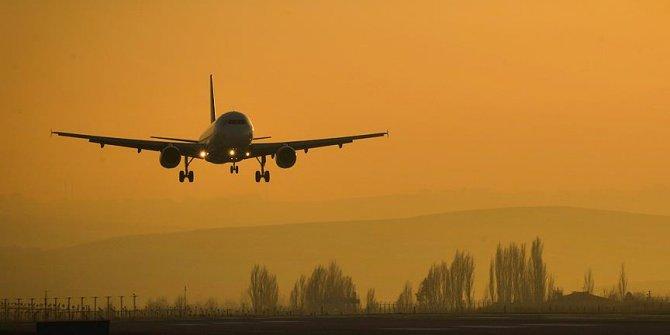 Avusturalya'da arızalı fırın yolcu uçağına acil iniş yaptırdı