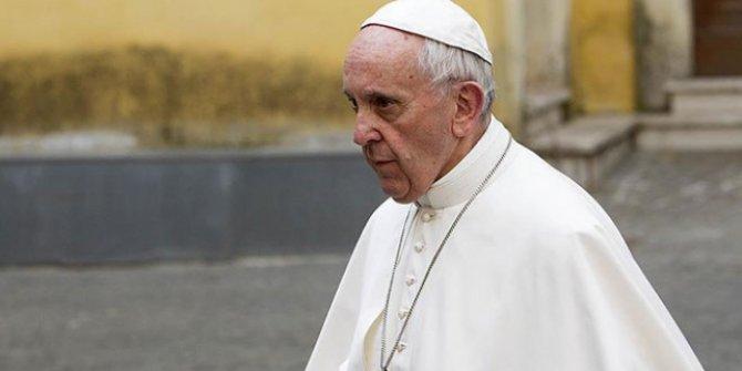 Papa'dan İslam'ın terörle bir tutulmasına tepki!
