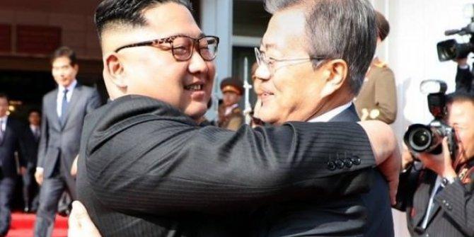 Kuzey Kore'ye ayak bastı! Sürpriz buluşma