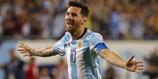 Lionel Messi, Dünya Kupası'na ısınıyor