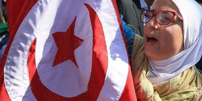 'Tunus sonu bilinmeyen bir krize gidiyor'