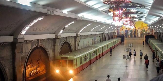 Kuzey Kore'nin 110 metre derinliğindeki Pyongyang metrosu