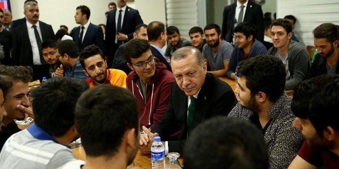 Erdoğan'dan gençlere sahur sürprizi