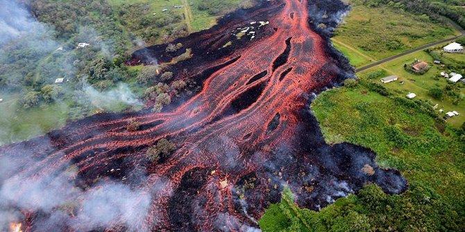 Hawaii'de 87 ev kül oldu!