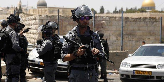 İsrail polisi Mescid-i Aksa'da 12 Filistinliyi gözaltına aldı