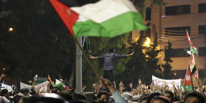 Ürdün'deki sendikalar grevleri askıya aldı