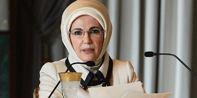 Emine Erdoğan orucunu Çevik ailesinin sofrasında açtı