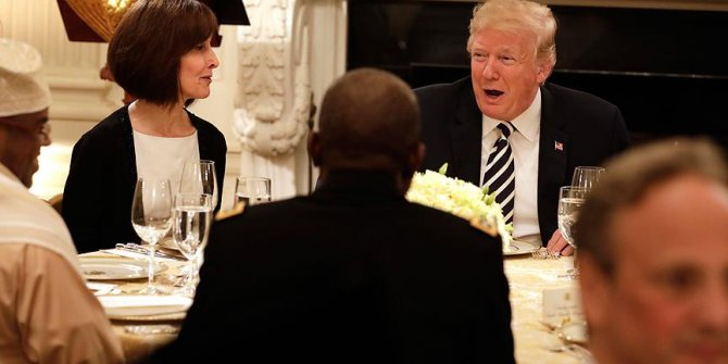 Donald  Trump'tan ilk iftar!