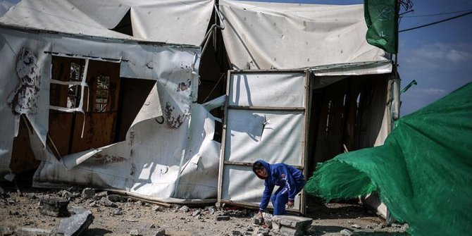 İsrail Gazze sınırındaki göstericilerin çadırlarını ateşe verdi