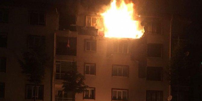 Ankara'da apartmana yıldırım düştü: 1 yaralı