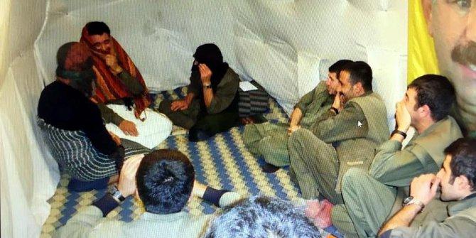 Teröristler sığınakta kadın kıyafetiyle tiyatro oynamış