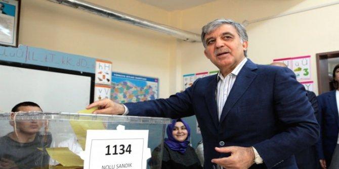 Abdullah Gül'den Erdoğan'a tebrik!