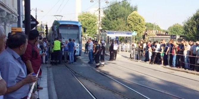 İstanbul'da Tramvay raydan çıktı, seferler durdu