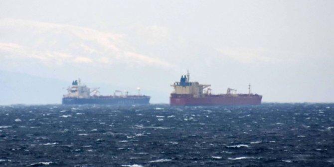 Marmara Denizi açıklarında iki gemi çarpıştı!