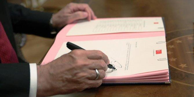 Başkan imzayı attı!