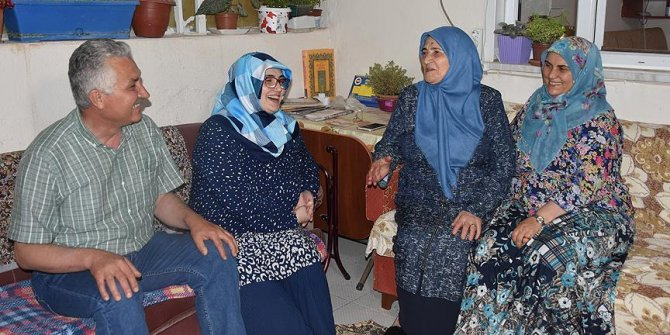 Bakan Dönmez'in ailesinde görev sevinci