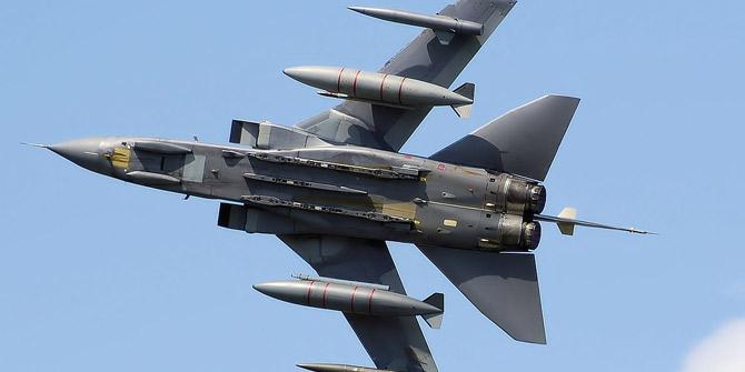 Suudi Arabistan savaş uçağı Yemen'de düştü