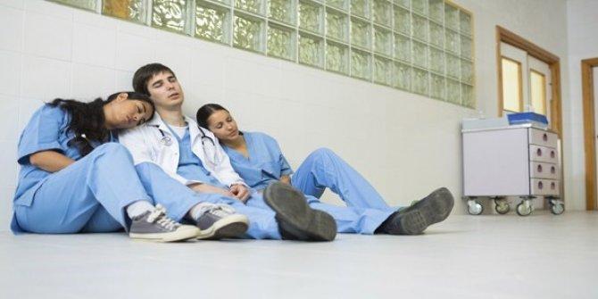 Sağlık çalışanlarına yıpranma payı torba yasada