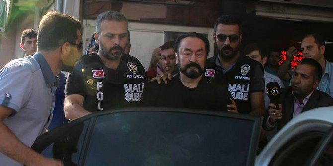 Adnan Oktar'ı 13 bin defa şikayet etti!