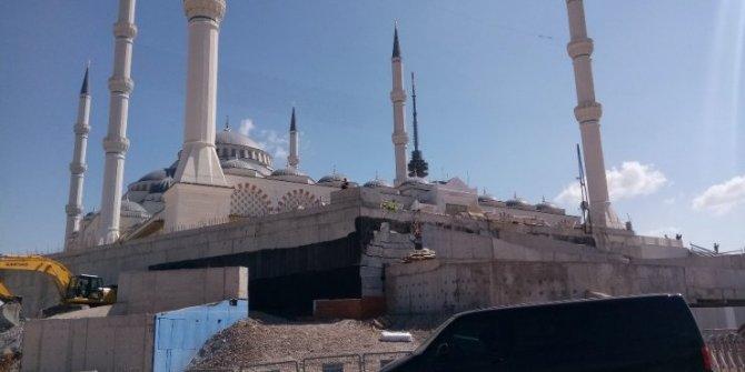 Başkan Erdoğan Çamlıca Camisine gitti