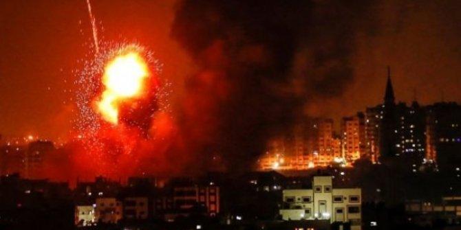Gazze Şeridi'nde 140'tan fazla noktayı vurdu!  3 Filistinli şehit oldu