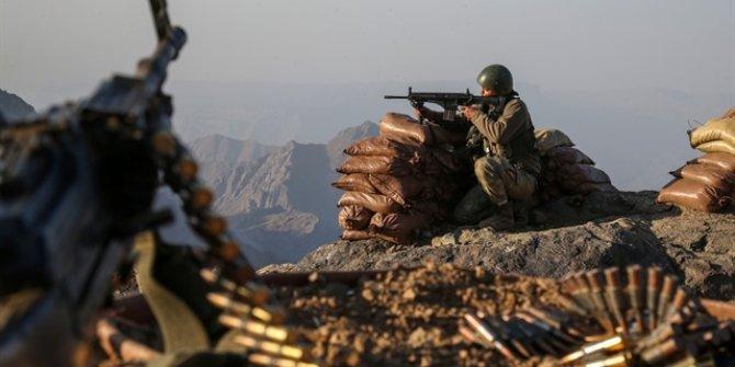 Öldürülen 10 teröristin mühimmatları ele geçirildi!