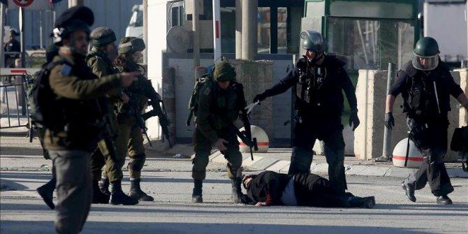 8 Filistinli kadın Mescid-i Aksa'da gözaltına alındı