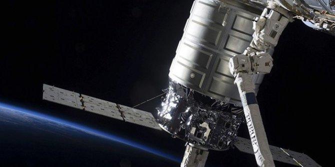 Gizemli uydu ABD'ye korku salıyor