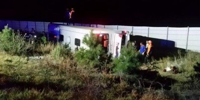 Afyonkarahisar'da yolcu otobüsü kazası: 2 ölü, 32 yaralı