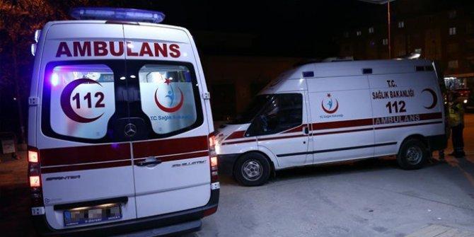 Ağrı'da özel harekat polislerinin içinde bulunduğu zırhlı araç ile minibüs çarpıştı: 2'si ağır 6 yaralı