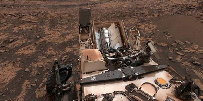 Mars'taki keşif aracı Curiosity'nin öz çekim fotoğrafını yayımladı!