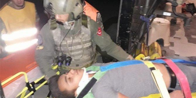 Siirt'te feci trafik kazası! Yaralılara asker yetişti