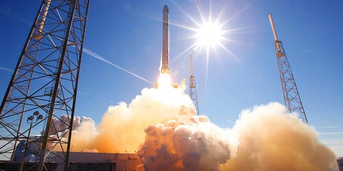 SpaceX iletişim füzesini fırlattı!